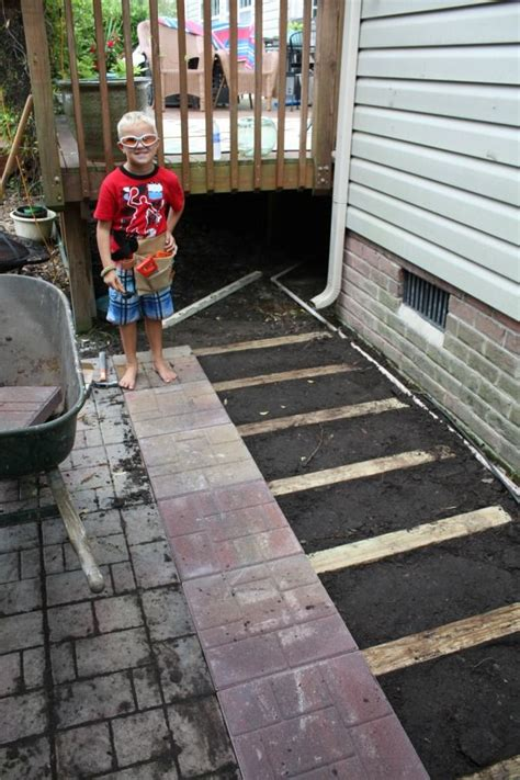 laying a paver patio how to lay a brick paver patio or path