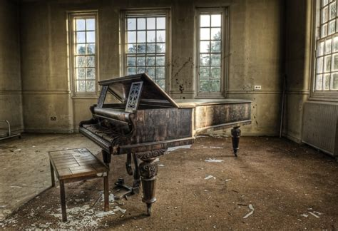 libro abandoned places 60 stories the 60 most beautiful abandoned places on earth