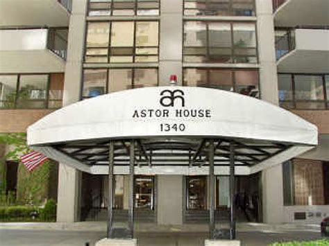 astor house astor house apartments chicago il walk score