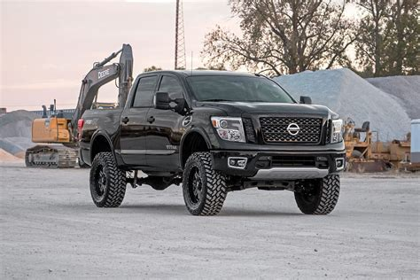 2017 nissan titan rough country 6in suspension lift kit 2017 titan 4wd