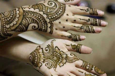 tato henna tangan dan kaki 11 tato henna telapak tangan foto mehndi seni tato