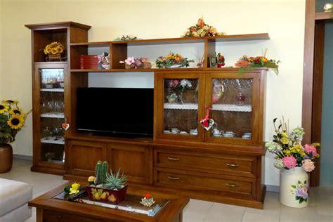 mobili soggiorno classici legno mobili per soggiorno in legno massiccio naturali e
