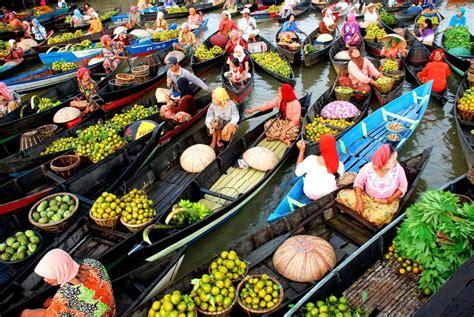 Air 2 Di Banjarmasin pasar terapung floating market banjarmasin rigaah