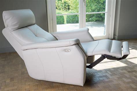 fauteuil de salon electrique fauteuil de relaxation lectrique milena plusieurs couleurs au choix