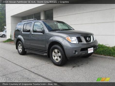 grey nissan pathfinder grey metallic 2006 nissan pathfinder se 4x4