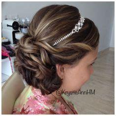 Wedding Hair For Junior Bridesmaids by 1000 Ideas About Junior Bridesmaids On Junior