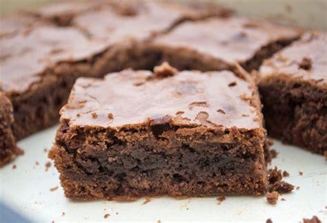 rezept brownie kuchen saftige schoko brownies rezept gutekueche at