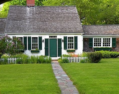 cape cod style cottage a cape of cape cod cottage curb pinterest