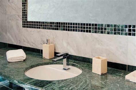 stein fliesen badezimmerwand marmor marmorfliesen marmor fliesen stein marmor