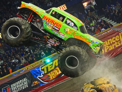 monster truck videos 100 superman monster truck videos monster truck