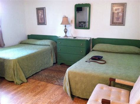 motel beds 88 motel picture of 88 motel brick tripadvisor