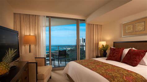 2 bedroom suites waikiki beach ハワイ ラグジュアリー ホテル プレミアム 2ベッドルーム デン オーシャン ビュー スイート ホノルル