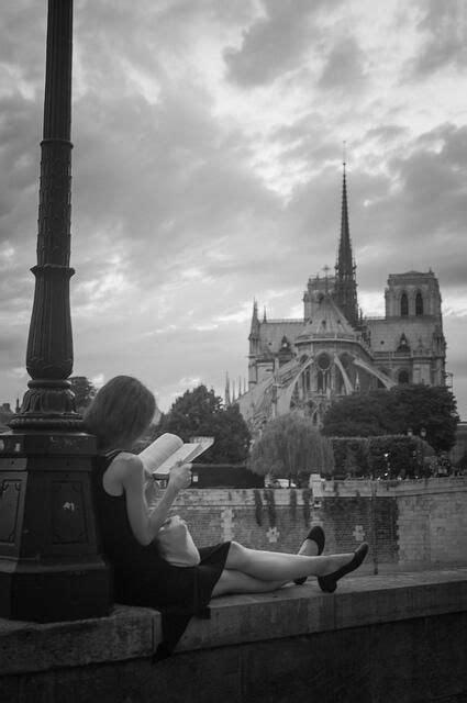 Enlace permanente de imagen incrustada   Chica leyendo