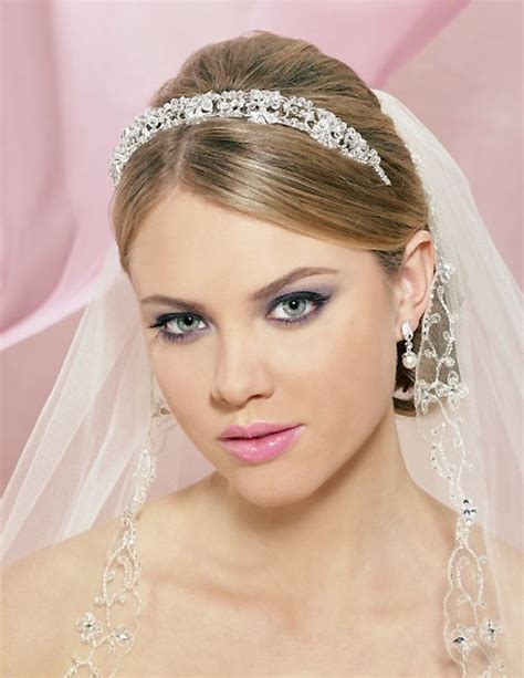 Wedding Hairstyles With Tiara And Veil by 20 Wedding Hair Ideas Hairstyles 2017 2018