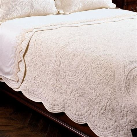 scalloped matelasse coverlet matelasse coverlet countryliving master bedroom