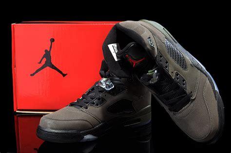 Schuhe Big Air 5 Retro Gs Flash Available Now Im Rabattverkauf Schwarz Rosa Kinder P 200 5 fear bon march 233