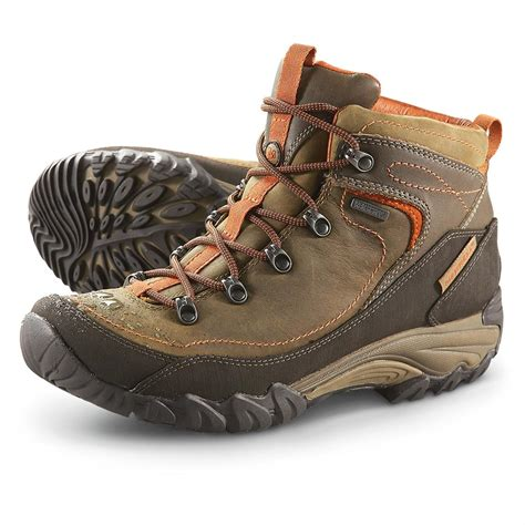 womens hiking boot stylish womens hiking boots www imgkid the image