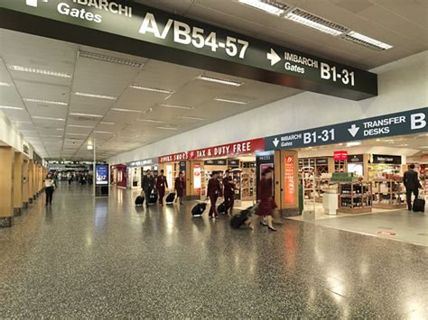 parcheggio interno malpensa terminal 2 milan malpensa airport plots vast retail arena at new look