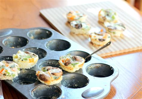 carbohydrates in 6 eggs cheesy egg white veggie breakfast muffins low carb