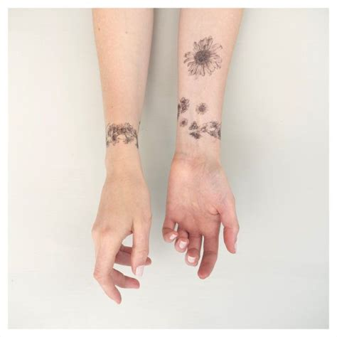 daisy chain wrist tattoo 25 best ideas about chain on