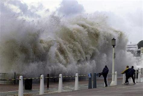 porto calais francia chiuso porto calais per tempesta europa ansa it