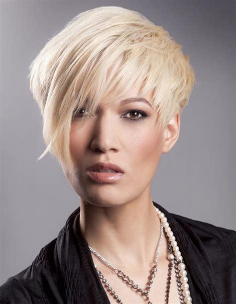 bilevel womens hairstyles bilevel with bangs bi level bob haircut short hairstyle