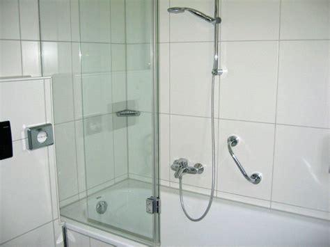 Badewanne Mit Duschwand by Quot Badewanne Mit Dichter Duschwand Quot Stadthotel Convikt In