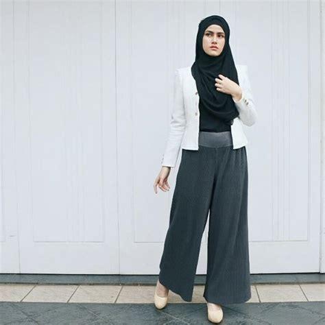 Annisa Outer Wanita Sakha Abu Abu til formal dengan padu padan celana palazzo dan outer