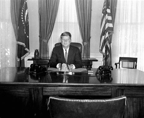 oval office through the years kennedy desk photo