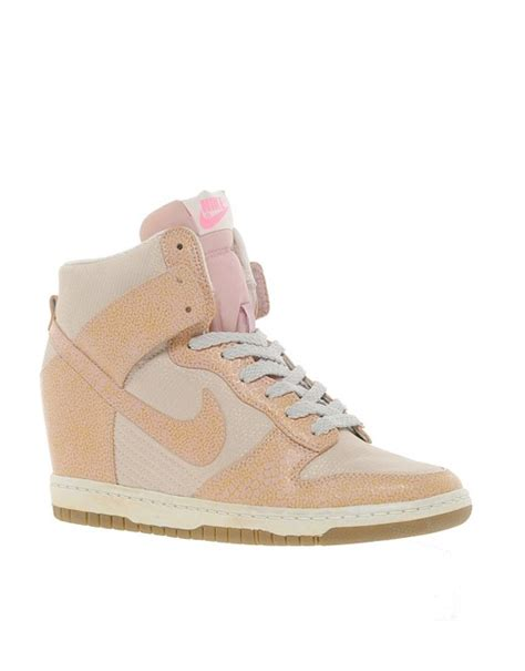 Sepatu Nike Sky Hi Dunk Pink Nike Wedges nike nike dunk sky high top pink wedge trainers