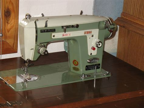 bought for dil vintage 2 tone green new home janome