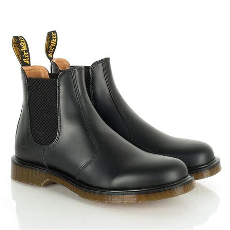 dr martens chelsea boot dr martens harlequins black chelsea boots