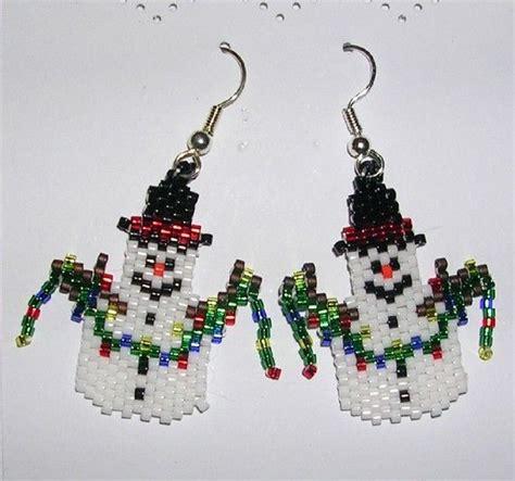 pattern for beaded christmas earrings christmas beaded earring patterns free snowman earrings