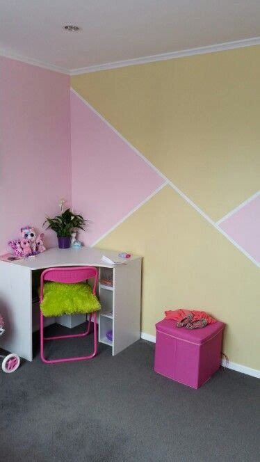 geometric feature wall in 5 year bedroom