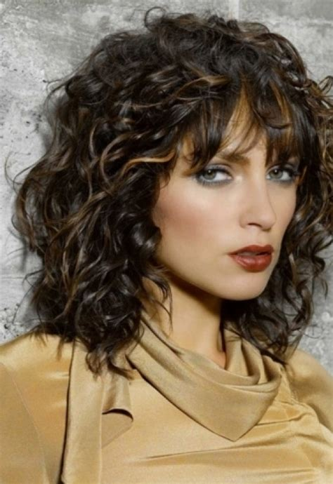 frizzy aged hair sholder length curly bob with bangs cute short