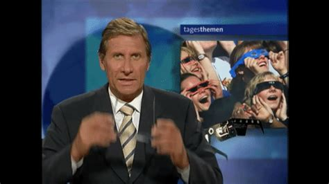 host gif news nachrichten gif by tagesschau find share on giphy