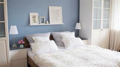 bücherschrank klein kleine schlafzimmer einrichten ideen