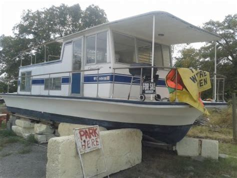 chris craft houseboats chris craft aquahome houseboat all about houseboats