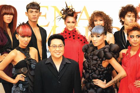 Masker Rambut Rudy Hadisuwarno model rambut wanita gaya