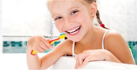 Pasta Gigi High Desert penambahan propolis pada pasta gigi untuk mencegah plak