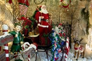 Decorate A Christmas Tree A Christmas Wonderland Decorators Warehouse