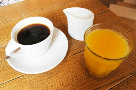 Coffee or orange juice: which should drink in the morning ?   Healthy Food Elements