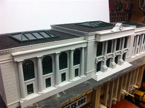 bank o how to cut apart mth bank building o railroading