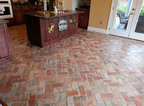 brick tile flooring ideas to present a classic appearance