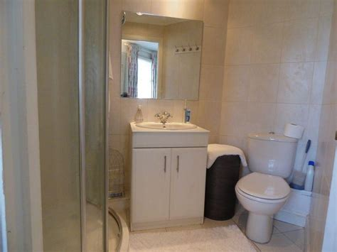 semi ensuite bathroom 3 bedroom semi detached house for sale in south