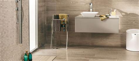 Rivestimento Bagno Con Pavimento Effetto Legno by Effetto Legno In Bagno Se 232 Gres Porcellanato 232 Ancora
