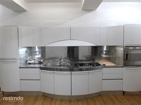 küchengestaltung fliesenspiegel k 252 che folieren rot zu wei 223 hochglanz resimdo