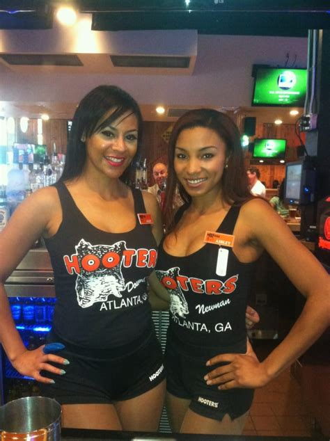 hooters atlanta georgia hooters girls yelp