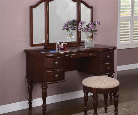 Large Bedroom Vanity Thrifty Lighted Makeup Vanity Table Lighted Makeup Vanity Table Vanity Desk As As Lights