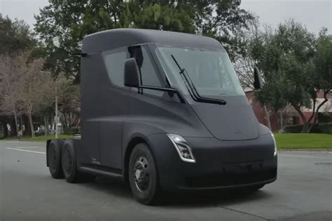 tesla 4x4 truck tesla semi truck officially revealed pictures auto express
